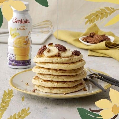 Pancakes noix de pécan banane avec un boisson Gerlinéa vanille