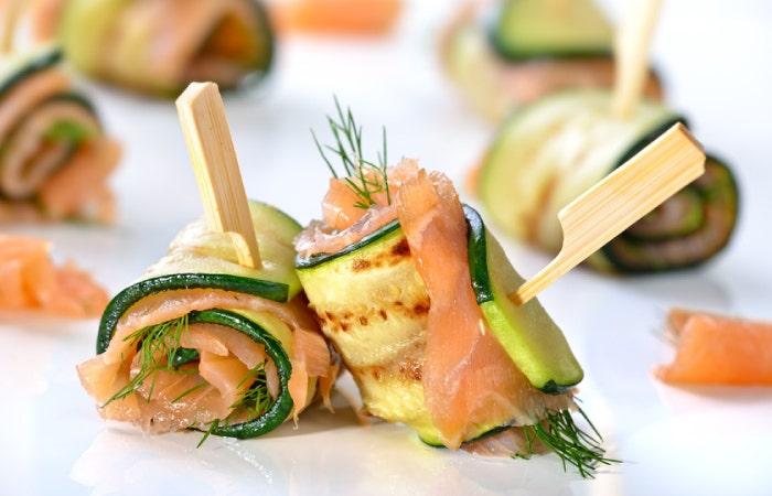 Roulés de courgettes avec saumon et aneth