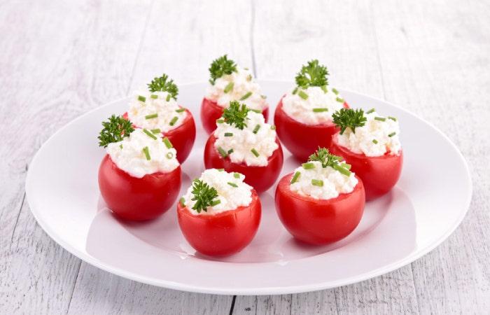 tomates cerises farcies au fromage frais et ciboulette