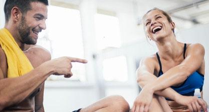 Homme et femme entrainement fitness